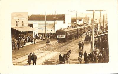 First Electric Train into Newberg
