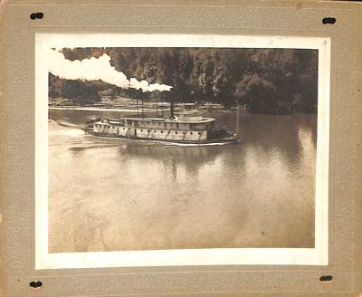 Steamboat on the Willamette