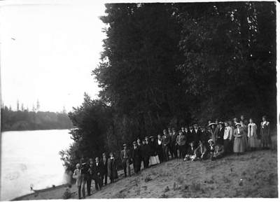 Quakers on the Banks of the Willamette River